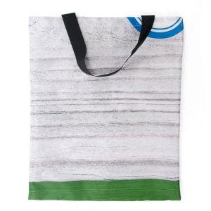 Dekostoff lässt sich sehr gut zur Upcycling Tasche nähen