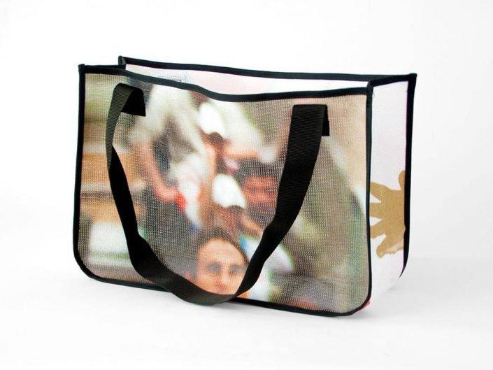 Albert Schweizer Turnier: ein Mesh-Banner wird zur Recycling Shopping Bag