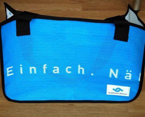 Recycling Tasche aus Netzvenyl-Banner der Stadtwerke Münster