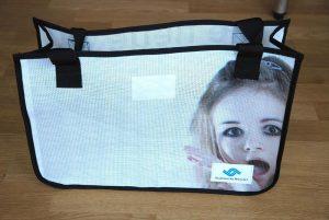 Recycling Tasche aus wiederverwertetem Mesh-Material