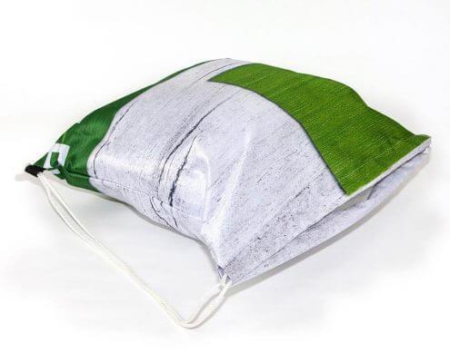 Recycling Tasche: Textil-Banner eignet sich sehr gut für einen Turnbeutel