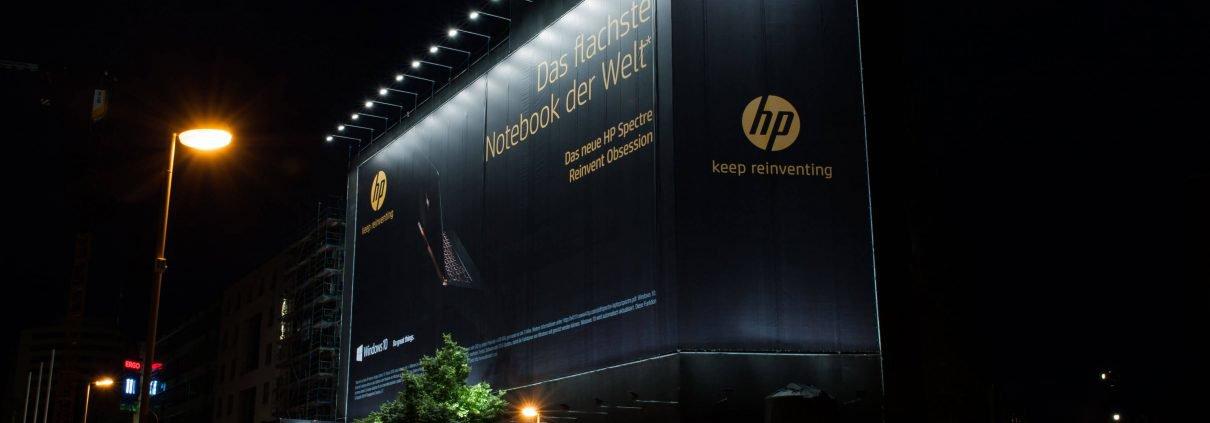 Megabanner von HP am Potsdamer Platz in Berlin.
