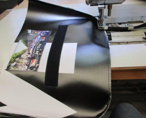 Näharbeiten für die Upcycling Taschen für den DFB - Der Fan Club Nationalmannschaft